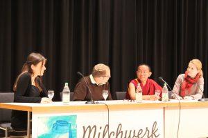 Alexandra Mann (Moderation), Michel Bollag, Dolpo Tulku Rinpoche, Daniela Hartmann (Übersetzung)